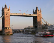 London Showboat Cruise for Two Special Offer