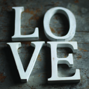 Nkuku Distressed Mango Wood Letters - Distressed White - O (15cm)