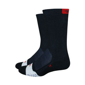 DeFeet Thermeator 6 Inch Cuff Socks - Black/Red