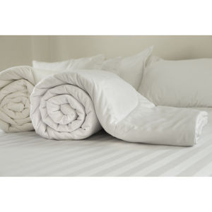 Restmor Microfibre Covered Hollowfibre Filled Duvet - White (10.5 Tog)