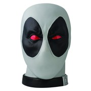 Monogram Marvel Deadpool Head X-Force Previews Exclusive 1:1 Scale Bank