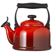 Le Creuset Traditional Kettle with Whistle 2.1L - Cerise