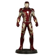 Sideshow Collectibles Avengers: Age of Ultron Legendary Scale Iron Man Mark XLIII 47 Inche Statue