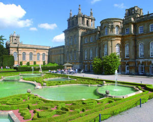 Blenheim Palace and Champagne Afternoon Tea for Two