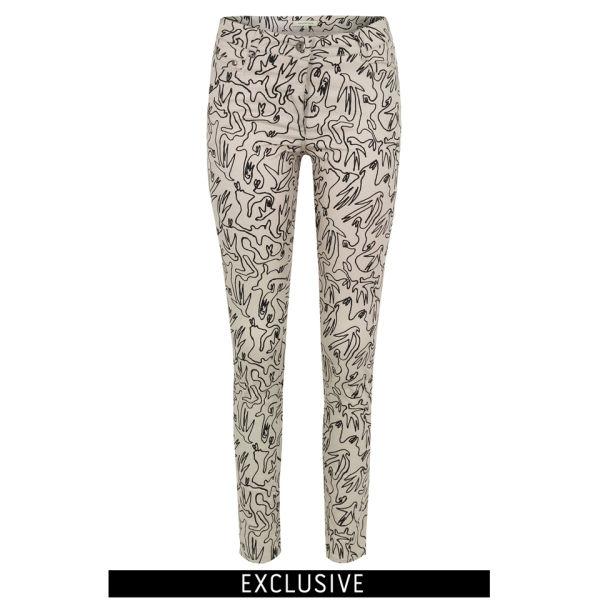 Bolzoni & Walsh Women's Low Waist Drainpipe Jeans - Cream