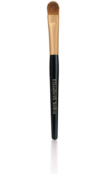 La brocha para base Elizabeth Arden Flawless Finish Foundation Brush.