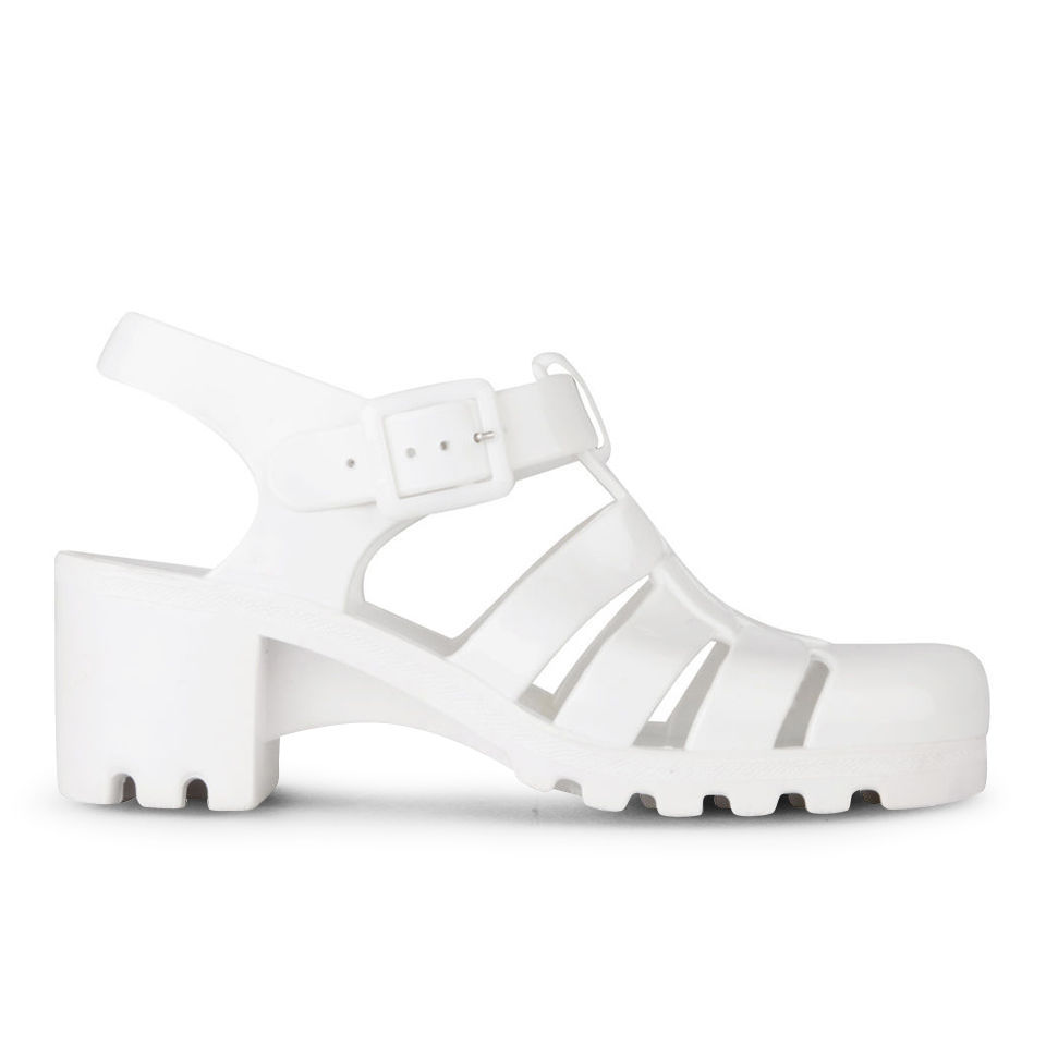 Featuring wedges, sandals, casual, dress shoes, and more. Jellypop presents a line of fresh footwear designs, laced with flirty details and feminine patterns.