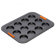 Le Creuset Toughened Non-Stick 12 Cup Bun Tray