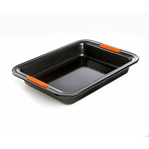 Le Creuset Bakeware Toughened Non Stick Rectangular Cake Tin - 28cm