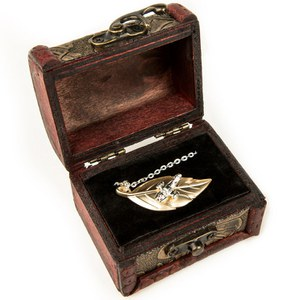Quantum Mechanix Firefly Leaf on the Wind SDCC Exclusive Pendant