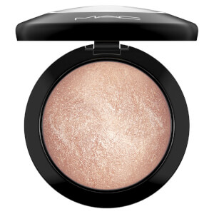 MAC Mineralize Skinfinish Highlighter - Soft and Gentle