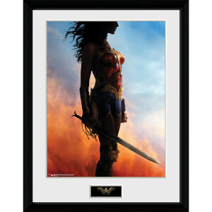 Wonder Woman Stand - 16 x 12 Inches Framed Photograph