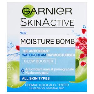 Garnier Moisture Bomb Glow Booster Day Moisturiser 50ml