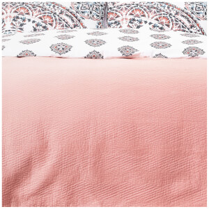 in homeware Chevron Matelassé Throw - Blush
