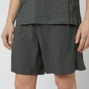 2XU Men's Run 2-in-1 Compression Shorts - Charcaol
