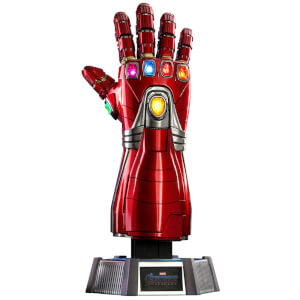 Hot Toys Avengers: Endgame Life-Size Masterpiece Replica 1/1 Nano Gauntlet 52cm