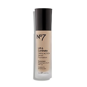 Lift & Luminate Triple Action Serum Foundation SPF 15 (Various Shades)