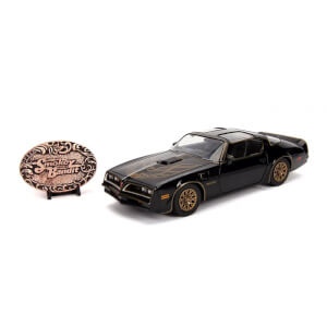 Jada Die Cast 1:24 Smokey and The Bandit Firebird and Bandit Belt Buckle
