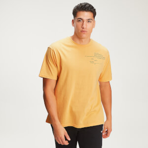 MP Herren Rest Day Staggered Slogan T-Shirt - Old Gold