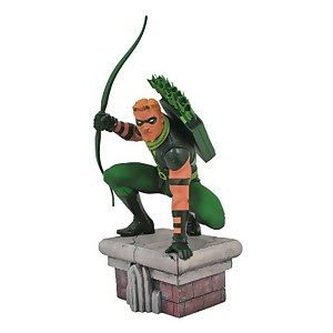 Diamond Select DC Gallery Green Arrow Comic PVC Figure