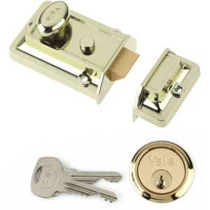 Yale 77 Traditional Nightlatch 60mm - Brass