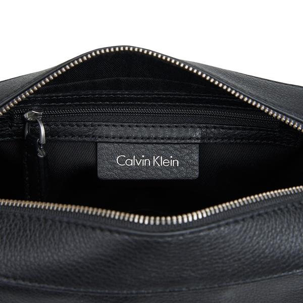 b66bfbccc021 Calvin Klein Women s Kate Pebbled Leather Crossbody Bag - Black  Image 4
