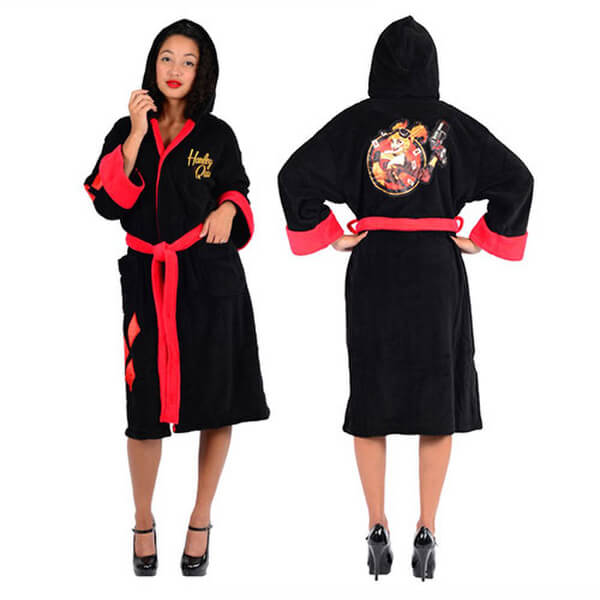 DC Comics Women's Bombshells Harley Quinn Fleece Bathrobe - Black