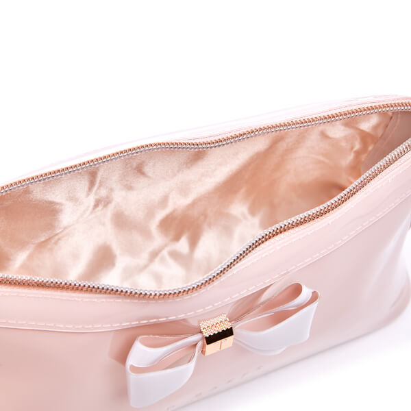 f988094bc5d7 Ted Baker Women s Abbie Curved Bow Large Wash Bag - Mid Pink  Image 4