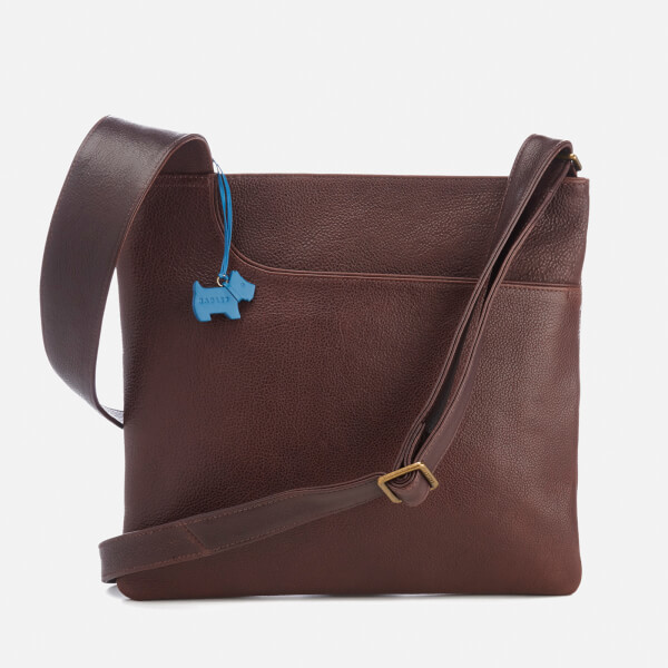 From casual nylon designs to chic leather styles that can be carried for day or night, eBags has the best selection of women's crossbody bags. Shop now!
