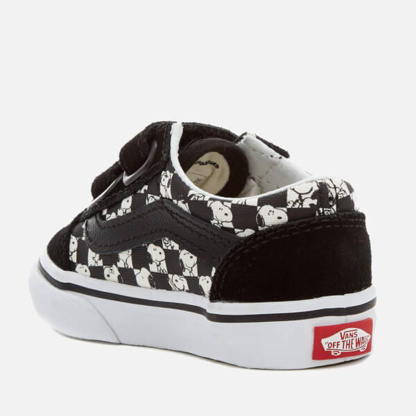 9fa85e2991c Vans X Peanuts Toddlers  Old Skool V Trainers - Snoopy Checkerboard  Image 4