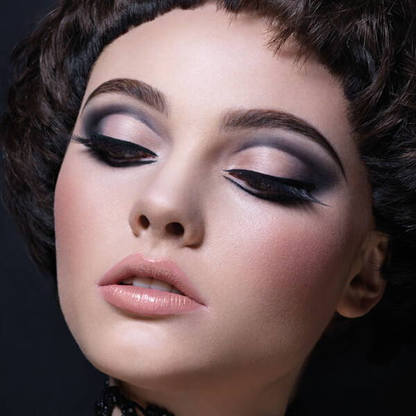 Cut Crease Eye Make-Up Design Course