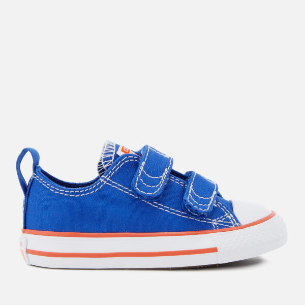 00798ee8f99db5 Converse Toddlers  Chuck Taylor All Star 2V Ox Trainers - Hyper Royal Bright  Poppy