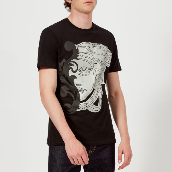 versace collection men 39 s large medusa logo t shirt nero clothing. Black Bedroom Furniture Sets. Home Design Ideas