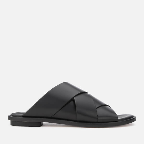 Clarks Women's Willow Art Leather Flat Sandals - Black
