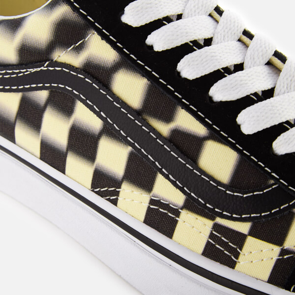 464aaf71a19 Vans Blur Check Old Skool Trainers - Black Classic White  Image 4
