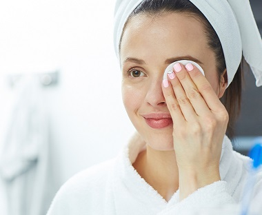 Why You Should Be Using Eye Cream in Your 20s