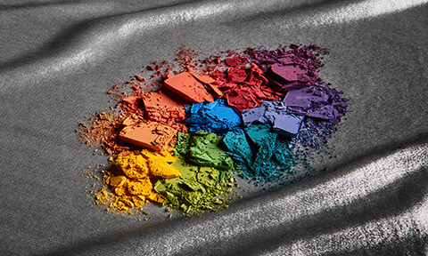 Scatena il tuo sé interiore attraverso la nostra gamma di potenti palette di ombretti. Definisci i tuoi occhi con le migliori palette di ombretti disponibili e sperimenta con colori e finiture.