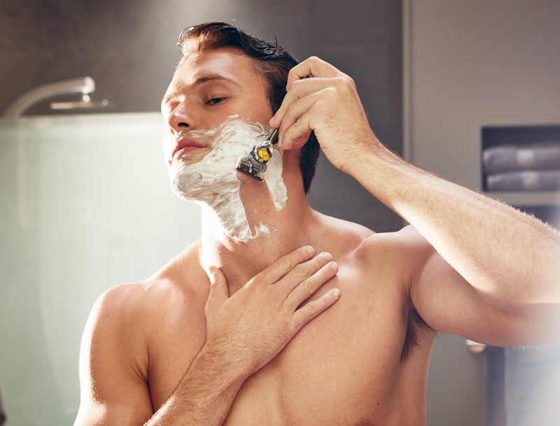 Get a free shaving gel when you buy selected blade packs!