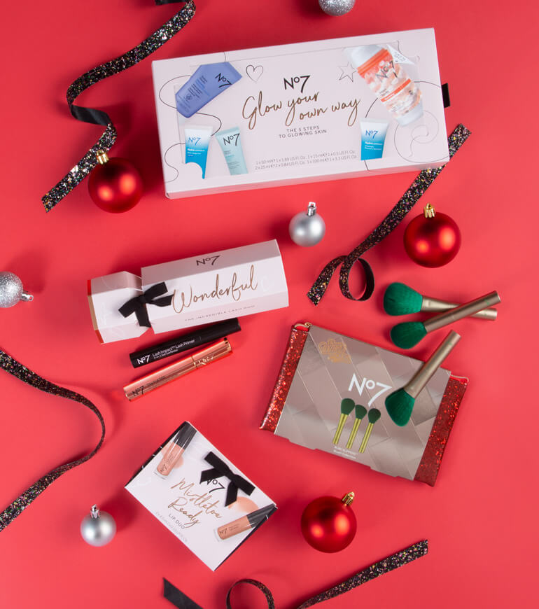 Give the Gift of No7 Beauty