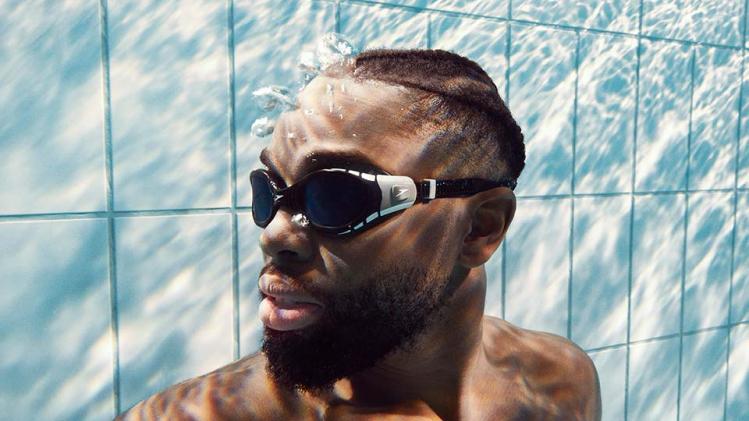 Mit Leichtigkeit Schwimmen