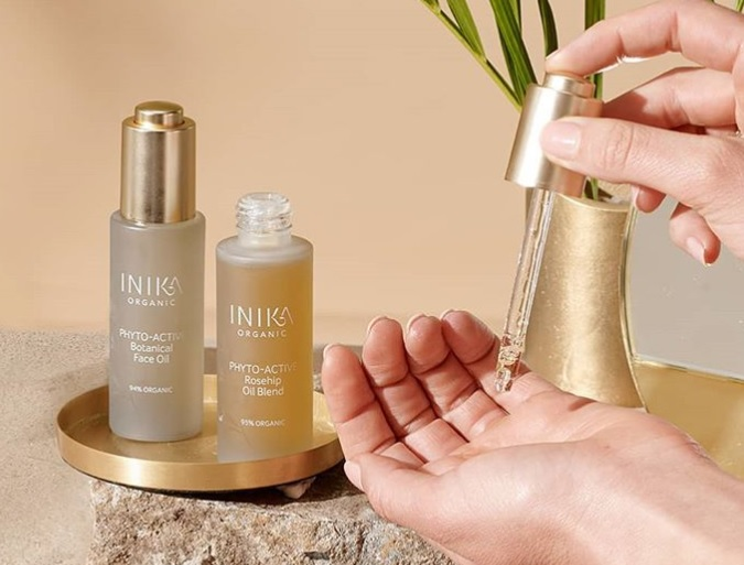 INIKA Organic complimentary virtual one-on-one consultations