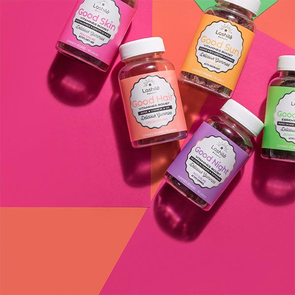 LASHILE è un marchio che aiuta a stimolare la digestione, i capelli, la pelle e molto altro ancora attraverso l'uso di deliziose caramelle gommose piene di vitamine!