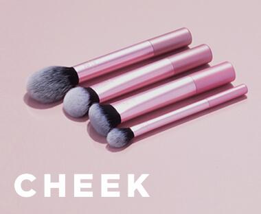 Real Techniques Pensule pentru fard blush