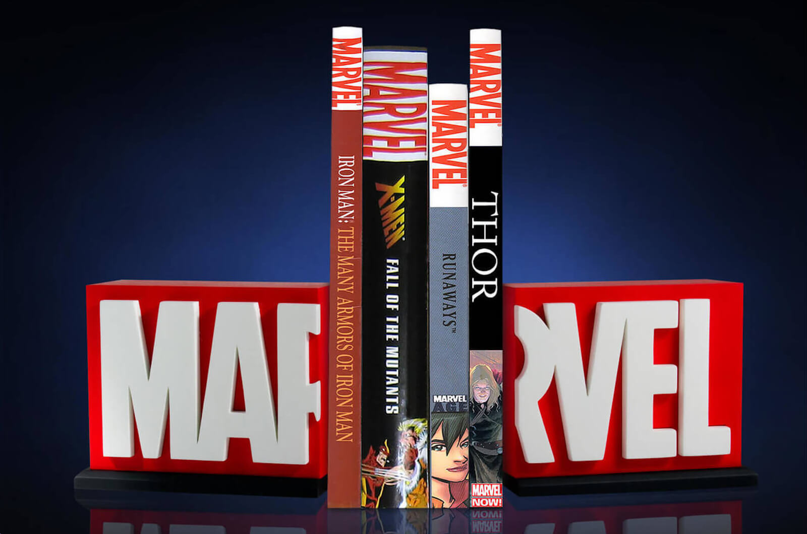 MARVEL LOGO BOOKEND & FREE GIFT