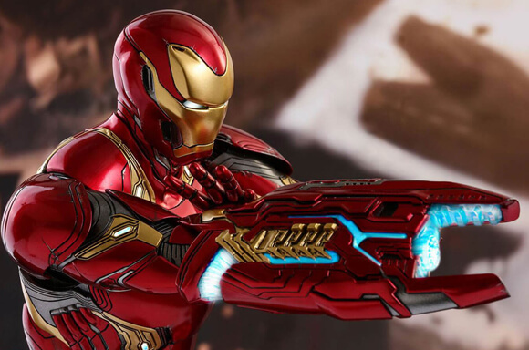 ACTION FIGURE HOT TOYS IN OFFERTA